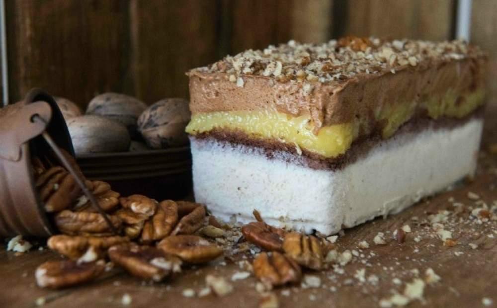 Torta Gelada de Nozes com Chocolate