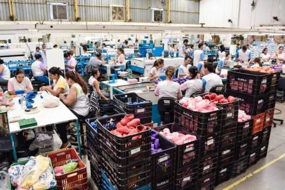 5e276b88b Polo teria produzido em torno de 56 milhões de pares de calçados em 2018  (Foto: Sinbi/Arquivo)