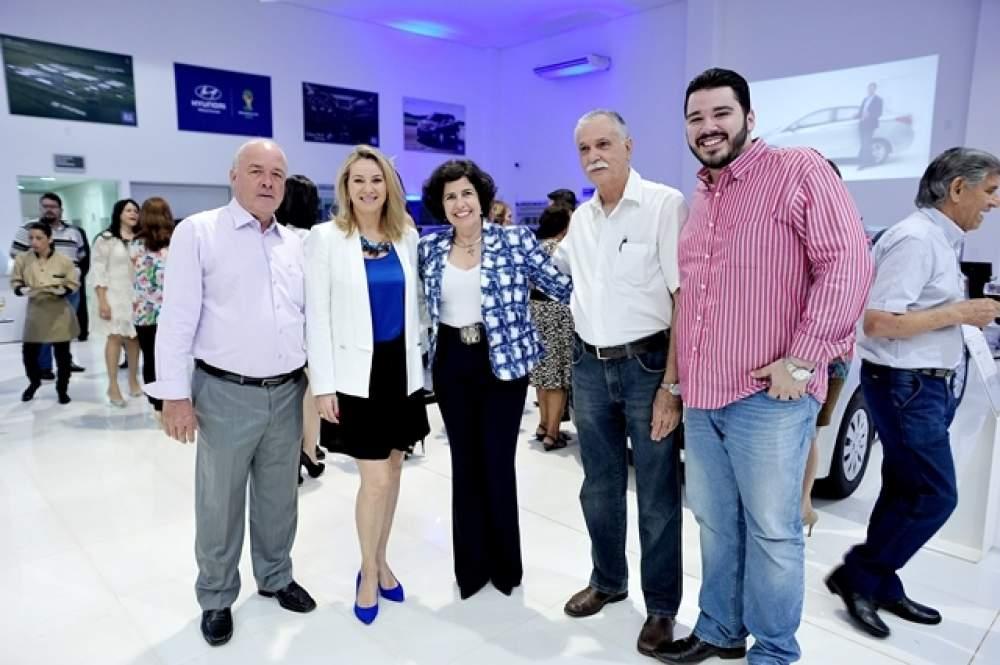 f1f470bbeba O vereador Tonhão elogiou a estrutura da loja e ressaltou a importância de  investimentos desse porte para o município (Divulgação  Câmara)